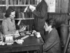 Mrs.-Freda_Cooper-of-the-Canadian-Red-Cross-playing-cribbage-1940
